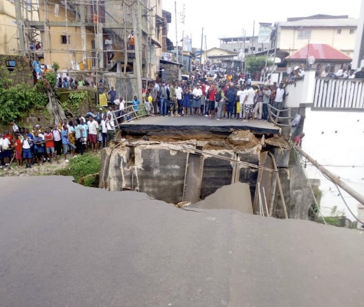 Savage street bridge collapsed injuring some people